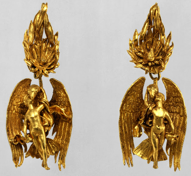 Aros de oro 330-300 a.C. Metropolitan Meseum